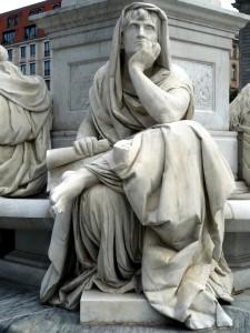 Schillerdenkmal_Berlin,_Begas,_Allegorie_Philosophie